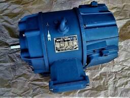 Щеткодержатель / Щетка э/двигателя П22М5ТХ. 112. 031 / ЭГ-74
