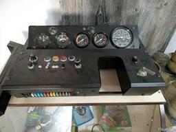 Щиток (панель приборов) приборов кабины МТЗ-80/82 старого об