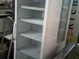 Холодильник со стеклянными дверьми для кафе, магазина