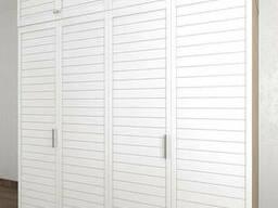 Шкаф со складными дверями из дерева Тавол Панел 3СКЛ2А с антресолью 2400х600х2500. ..