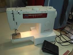 Швейная машинка Singer Extra 155