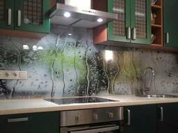 Скинали - кухонный фартук из стекла