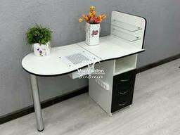Складной маникюрный стол со стеклянными полками. Модель V460