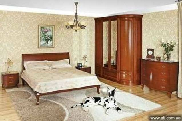 Спальный гарнитур из натурального дерева