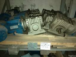Срочно продам мотор редукторы разные