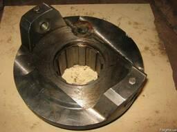 Стаканы стопорные задние редуктора пресса гранулятора ОГМ