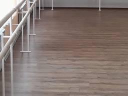 Станок балетний підлоговий з боковим відводом фарбований метал