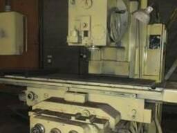 Станок вертикальный консольно-фрезерный моделі FSS-400