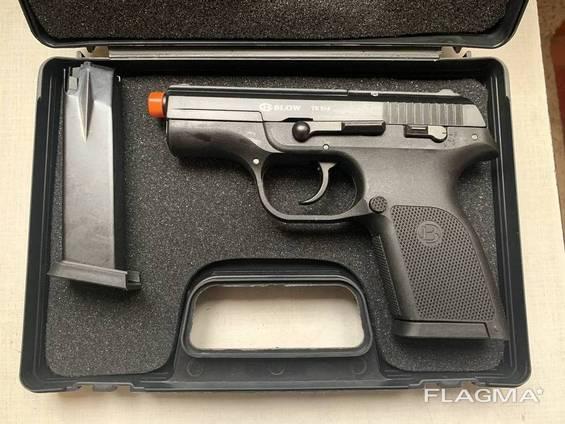 Стартовый пистолет Blow TR 914 (02). С запасным магазином.