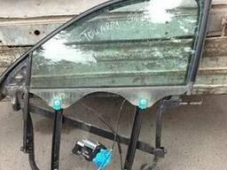 Стекло двери правое левое переднее заднее Volkswagen Touareg