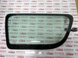 Стекло кузова боковое левое Dacia Logan I 04-12 бу