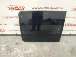 Стекло кузова боковое левое среднее Citroen Berlingo I. ..