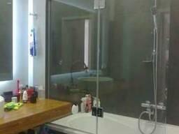Стекло на ванну для экранирования душа