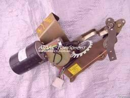 Стеклоочиститель с электрическим приводом в сборе КрАЗ - фото 4
