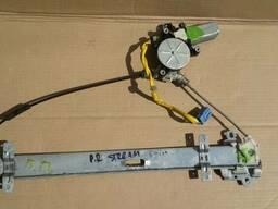 Стеклоподъемник передней правой двери Honda Stream 01-07 год