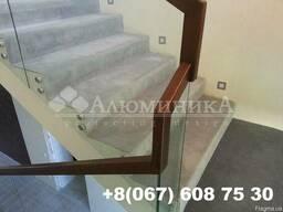 Стеклянные ограждения для лестниц и балкона