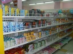 Стеллажи для магазинов косметики, бытовой химии, посуды.