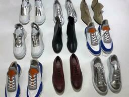 Стоковый микс из женской и мужской кожаной обуви от Датского бренда ETAL