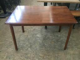 Стол деревянный б/у лакированный