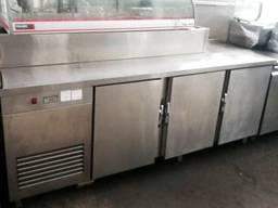 Стол холодильный б/у три двери с витриной для ингредиентов