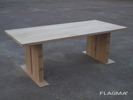Стол из массива дерева дуба