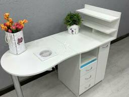 Складной маникюрный стол с вытяжкой 16ватт. Модель V445