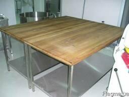 Стол пекарский для мучных работ с деревянной поверхностью