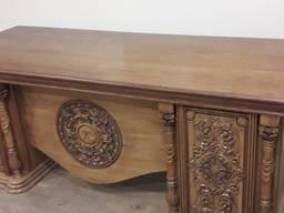 Стол письменный резной для кабинета из дуба. В наличии