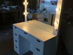 Стол визажиста (гримерный) для макияжа с лампами