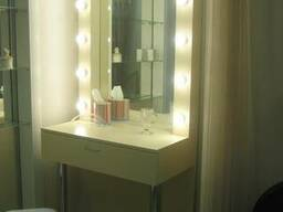 Столик визажиста (гримерный) для макияжа с лампами