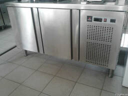 Столы холодильные 2, 3 и 4 двери продам недорого в Одессе