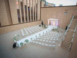 Стул белый в аренду на свадьбу, церемонию
