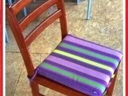 Стул деревянный б/у лакированный с мягкой подушкой