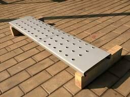 Ступень шипованная лестничная металлическая 670х240 мм