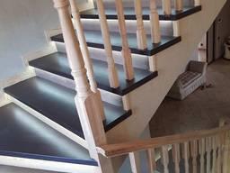 Ступени деревянные, лестница, балясины, поручни, подступни.