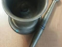 Ступка бронзовая: объём 0, 5 литра, вес 4, 5 кг.