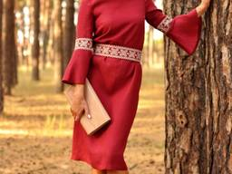 Сукня А-силуету з вишитим поясом