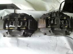 Суппорт тормозной: передний (Мерседес W216) 2006-2013 год.