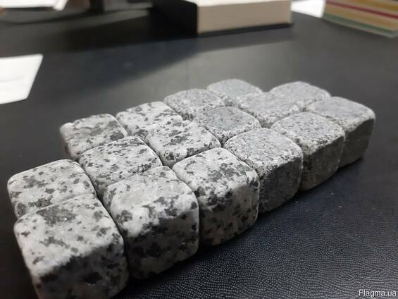 Сувенирная продукция: дерево, металл, природный камень