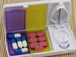 Таблетница контейнер органайзер кейс для таблеток с разделителем на дозы таблеточница