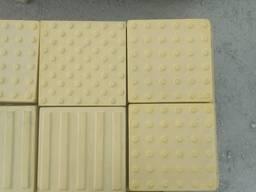 Тактильная плитка 300х300х60 мм, жовта