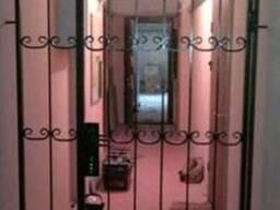 Тамбурные перегородки, решетки на двери, дверь решетка - фото 2