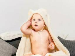 Теплый конверт-плед для новорожденных с капюшоном и ушками из материала велсофт
