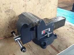 Тиски слесарные Utool Мастерская 150мм