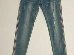 Тонкие узкие рваные джинсы для девочки в голубом цвете 164