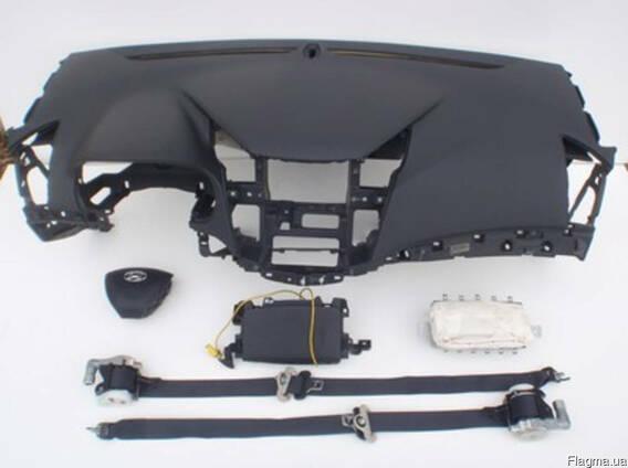 Торпедо/панель подушка airbag air bag ремни hyundai i40 2012