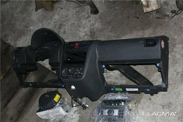 Торпедо панель подушка Opel Combo