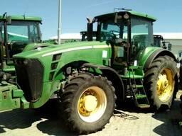 Трактор колісний John Deere 8230