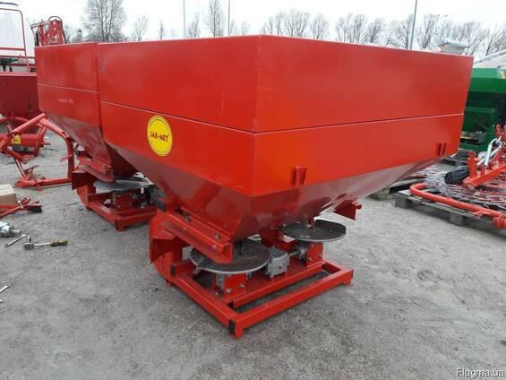 Тракторный навесной разбрасыватель на 1000 кг фирмы Jar-Met