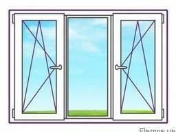 Трехстворчатое окно с двумя поворотно-откидными створками